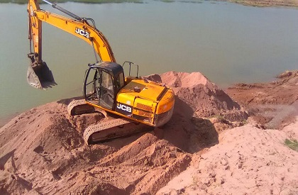 MP CM announces complete ban on sand mining from Narmada; use of machines on other rivers