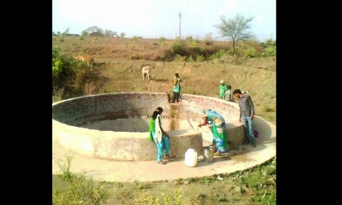 Rural India suffers as ground water level falls, children forced to go far away to fetch water in MP