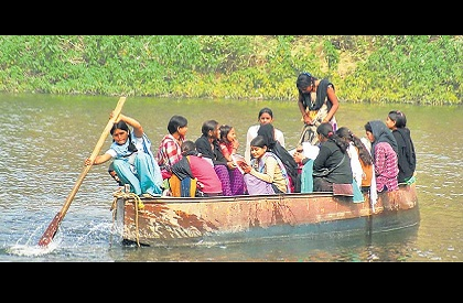 School  Girls  Schoolgirls  Boat  Girl Power  Madhya Pradesh